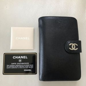 8f1b3160eeeb76 Women Chanel Wallet Black Caviar Zip on Poshmark